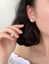 Fashion Golden C-shaped Diamond Earrings