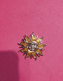 Fashion Golden Embossed Brooch With Irregular Sun Expression