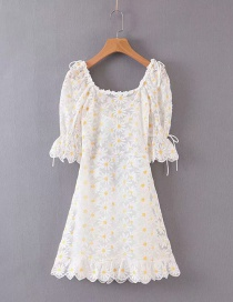 Fashion White Two-piece Embroidered Chrysanthemum Open-back Dress