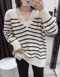 Fashion White Striped V-neck Sweater