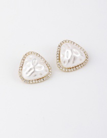 Fashion White Embossed Wrinkled Pearl Earrings With Diamonds