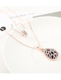 Fashion Gold Openwork Diamond Heart Necklace