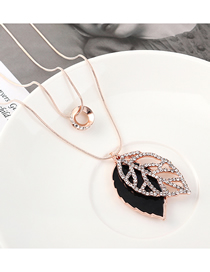Fashion Gold Openwork Diamond Leaf Necklace