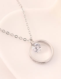 Fashion 14k Gold Diamond Embossed Round Necklace