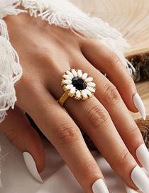 Fashion Golden Sunflower Resin Geometric Ring