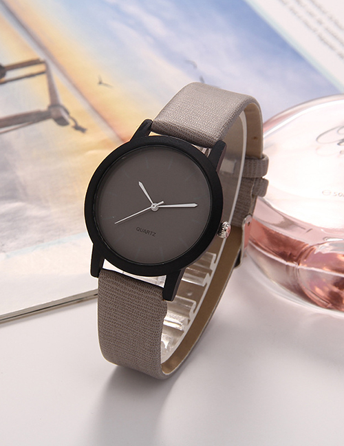 Fashion Khaki Leather Strap Contrast Color Quartz Ladies Watch
