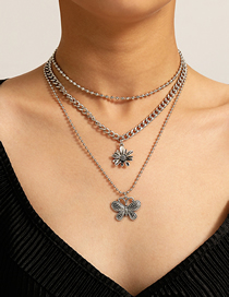 Fashion White K Butterfly Three-dimensional Small Daisy Multilayer Necklace