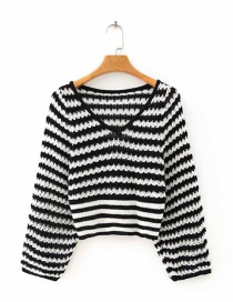 Fashion Black And White Stripes Black And White Striped V-neck Long Sleeve Sweater