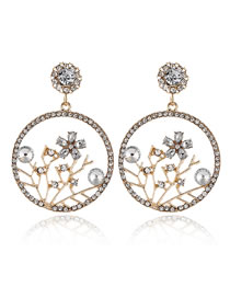 Fashion White Diamond-shaped Pearl Round Flower Stud Earrings