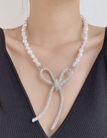 Fashion White Pearl Butterfly Combined With Gold Hollow Necklace