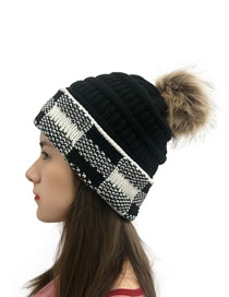 Fashion Black+white Grid Knitted Hat With Large Squares Of Woolen Yarn