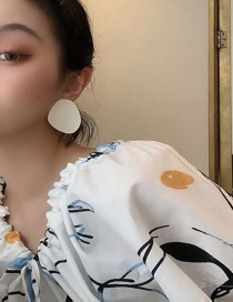 Fashion White Glossy Oil Drop Concave Alloy Earrings