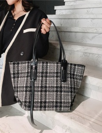 Fashion Black And White Grid Large-capacity Houndstooth Stitching Woolen Cloth Shoulder Bag