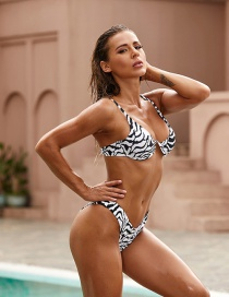Fashion Black And White Printed Underwire Swimsuit