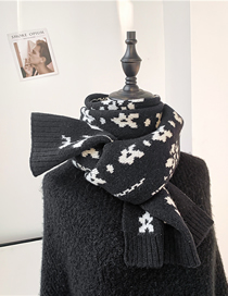 Fashion Black Camellia Wool Knitted Scarf