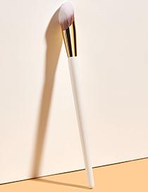 Fashion Off White Single Thumb Concealer Brush