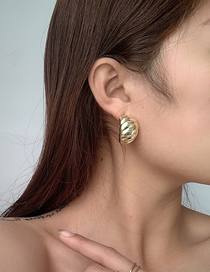 Fashion Golden C-shaped Grain Circle Alloy Geometric Earrings