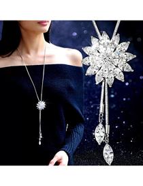 Fashion White Diamond Flower Tassel Alloy Necklace