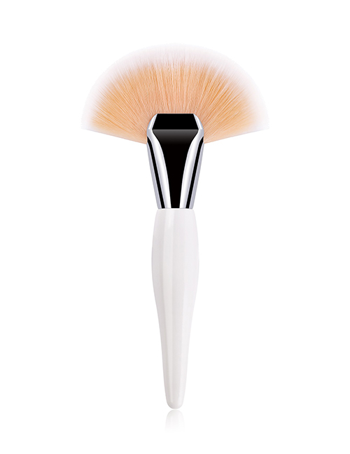 Fashion White Single Large Pregnant Fan-shaped Nylon Hair Makeup Brush With Wooden Handle