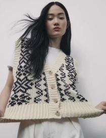 Fashion White Jacquard Knitted Vest