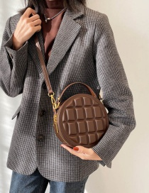 Fashion Chocolate Flavored Coffee One-shoulder Round Lattice Portable Messenger Bag