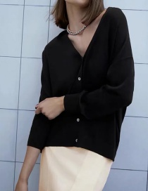Fashion Black Solid Color Buttoned Knitted Cardigan