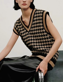 Fashion Brown Houndstooth Texture Knitted Vest