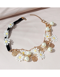 Fashion White Little Zou Ju Necklace