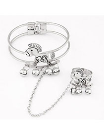 Smart Silver Color Horse Shape Decorated Simple Design Alloy Fashion Bangles