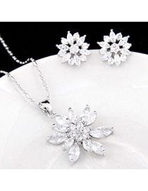 Baggy White Diamond Decorated Flower Design Zircon Fashion Bracelets
