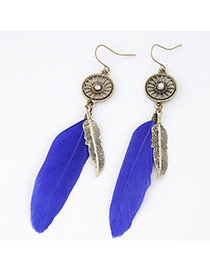 Personality Sapphire Blue Round Shape Decorated Feather Pendant Design