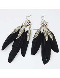 Personality Black Flower Shape Decorated Three Feather Pendant Design