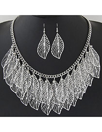 Trendy Silver Color Hollow Out Leaf Pendant Decorated Short Chain Design