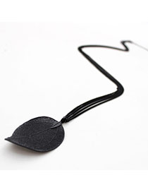 Retro Black Leaf Pendant Decorated Simple Design Alloy
