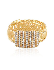 Trending Gold Color Rectangle Shape Decorated Hollow Out Design Alloy Fashion Bangles