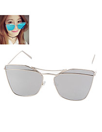 Trendy Silver Color Metal Decorated Geometric Shape Reflective Design Alloy Women Sunglasses