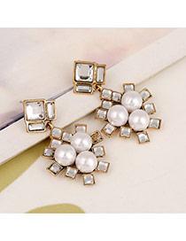 Exaggerate White Square Diamond Decorated Simple Design
