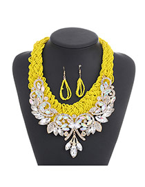 Fashion Yellow Diamond Leaf Decorated Hand-woven Collar Design Alloy Beaded Necklaces