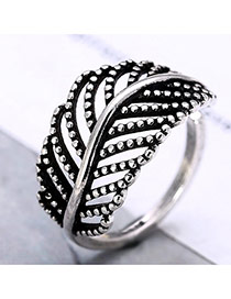 Vintage Anti-silver Metal Hollow Out Leaf Shape Decorated Opening Ring
