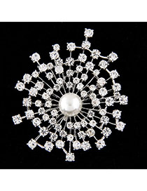 Sweet Silver Color Pearl Decorated Hollow Out Geometric Shape Brooch