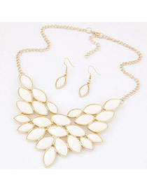 Elegant White Oval Gemstone Decorated Simple Jewerly Sets