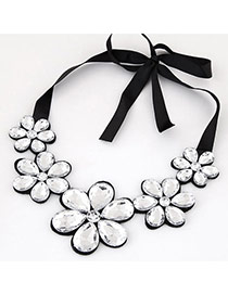 Elegant Silver Color Five Gemstone Flower Decorated Short Chain Necklace