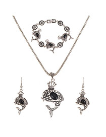 Personality Black Hollow Out Fish Pendant Decorated Jewerly Sets
