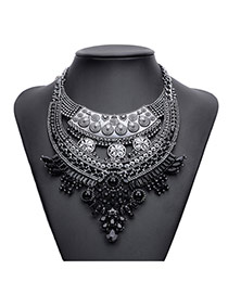 Exaggerated Black Pearl&gemstone Decorated Geometric Shape Necklace
