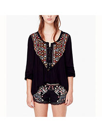 Fashion Black Embroidery Pattern Decorated Three Quarter Sleeve Loose Blouse