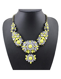 Lovely Yellow Flower Decorated Simple Short Chain Necklace
