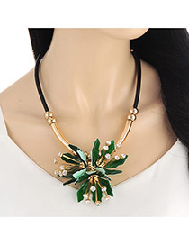 Exaggerate Dark Green Flower Pendant Decorated Short Chain Necklace