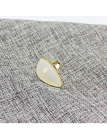 Exaggerated White Irregular Shape Decorated Simple Design Ring