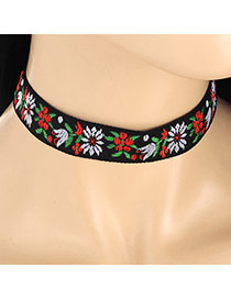 Vintage Multi-color Embroidery Pattern Decorated Short Chain Necklace