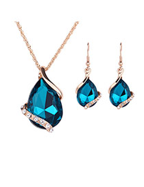 Delicate Green Diamond Decorated Oval Shape Pendant Decorated Jewelry Sets